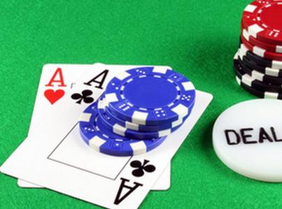 Como Derrotar a Tus Oponentes de Poker en LÌnea